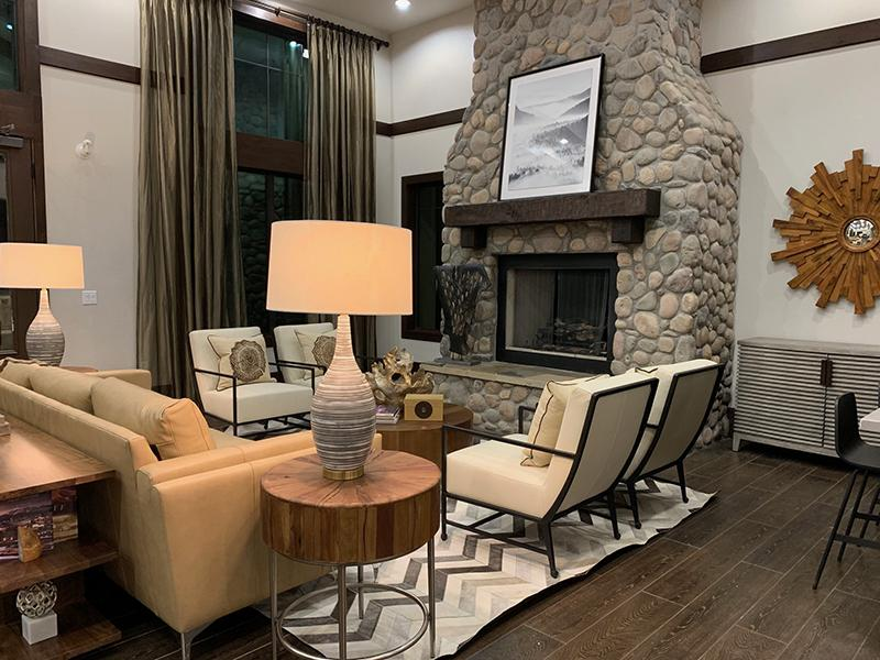 Clubhouse Interior   Elevation Luxury Apartments