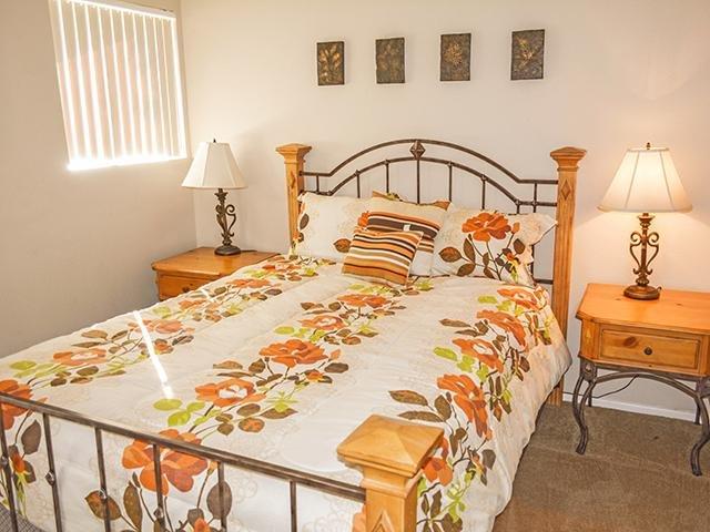 Bedroom   Crystal Creek Apartments in Phoenix, AZ