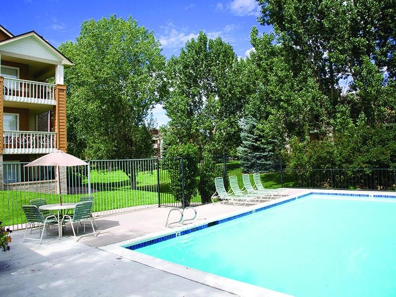 Pool - Apartments with a Pool in Colorado