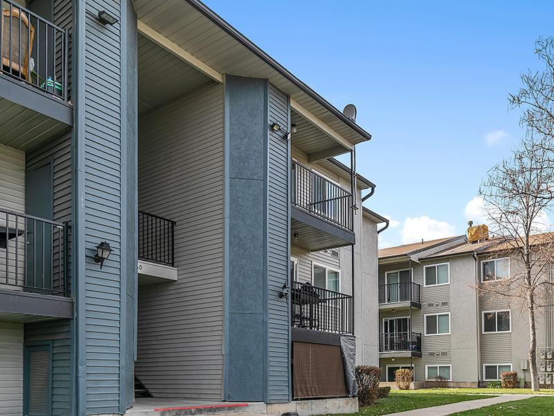 Exterior   Aspire West Valley Apartments