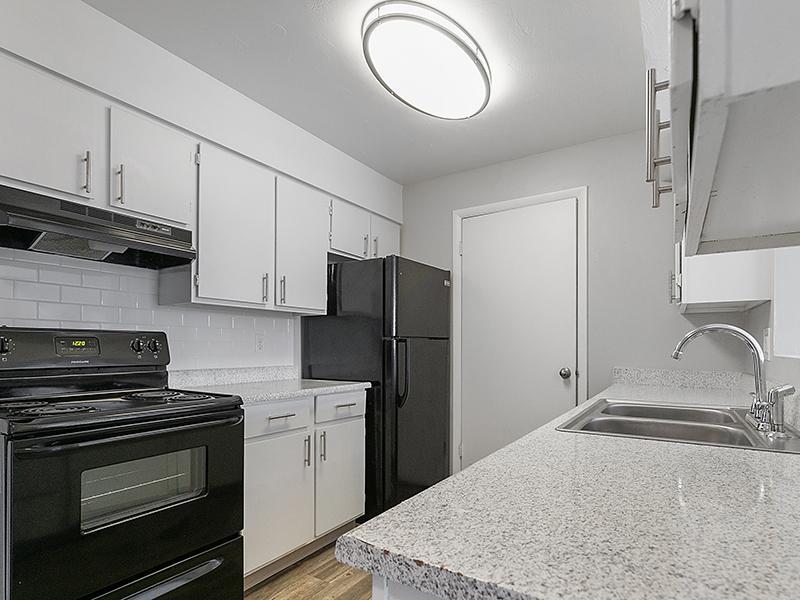 Kitchen   Aspire West Valley Apartments