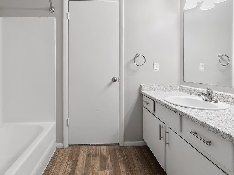 Beautiful Bathroom   Aspire West Valley Apartments