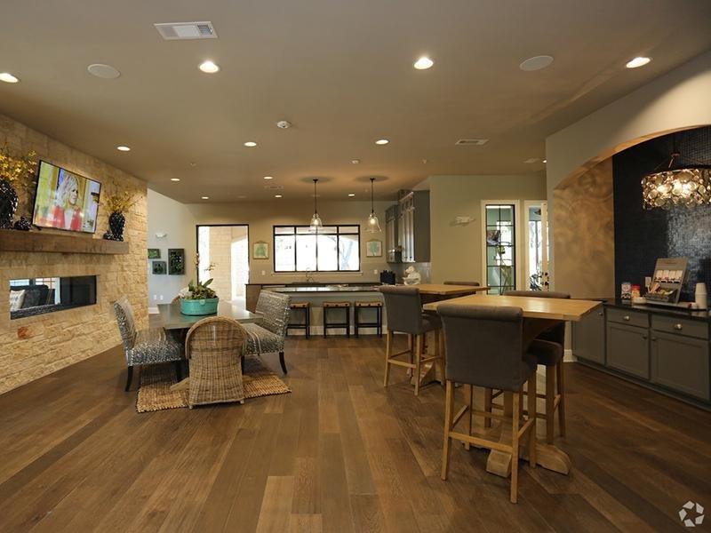 Club House Dining  | Cascadia Apartments