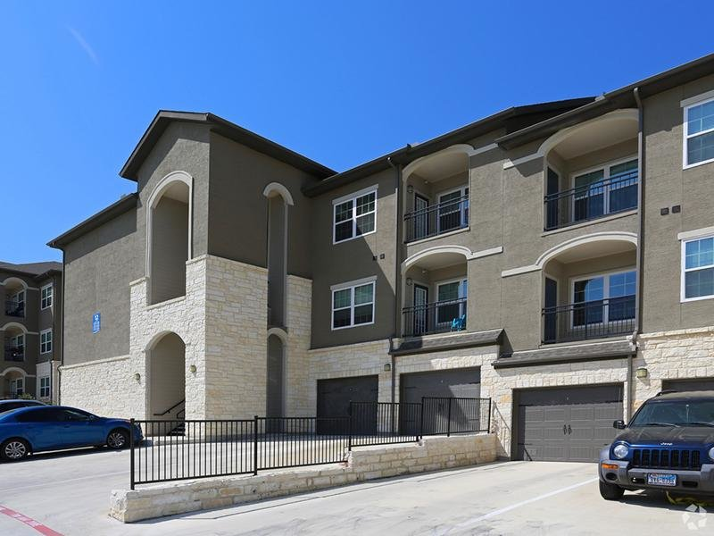 Exterior  | Cascadia Apartments