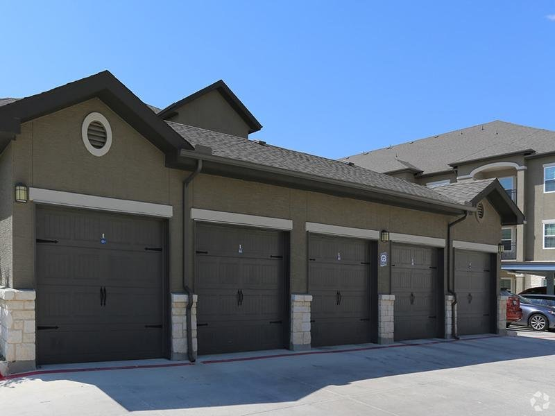 Garages  | Cascadia Apartments