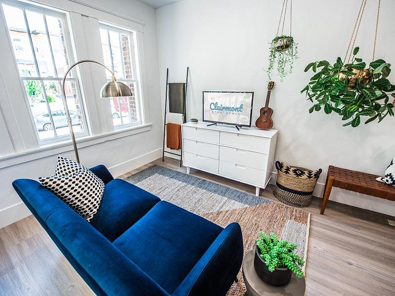 Front Room | Clairmont Apartments