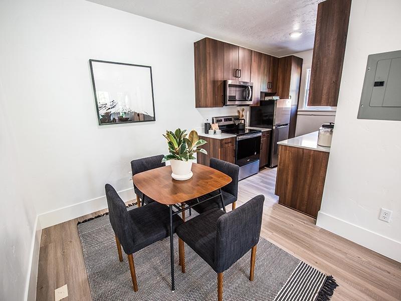 Dining Area | Clairmont Apartments