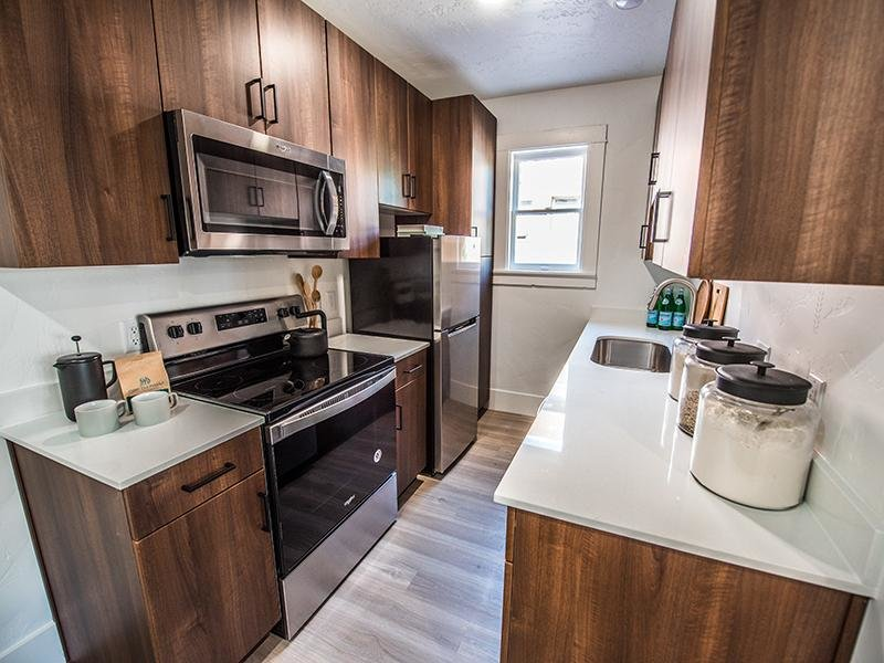Fully Equipped Kitchen | Clairmont Apartments