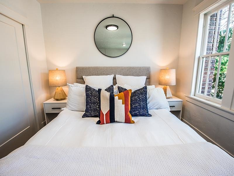 Large Bedroom | Clairmont Apartments
