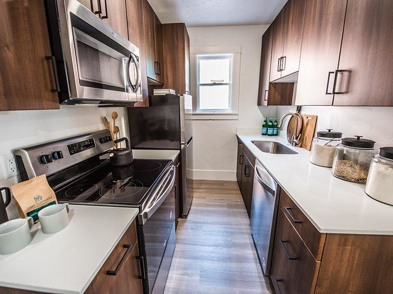 Kitchen | Clairmont Apartments