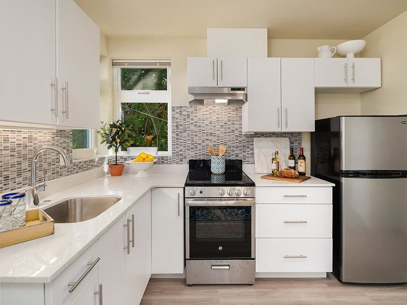 Model Fully Equipped Kitchen | Cubix Northgate in Seattle, WA