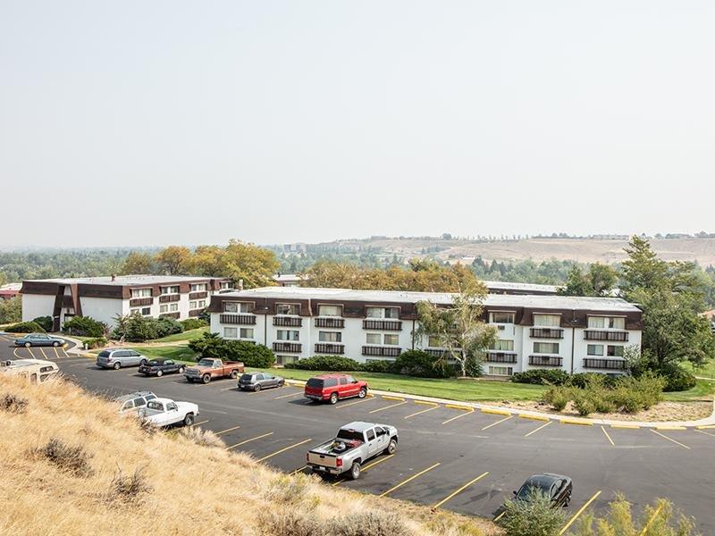 Building Exterior | Conquistador Apartments