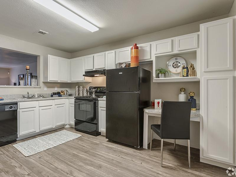 Fully Equipped Kitchen | Greens of Hickory Trails