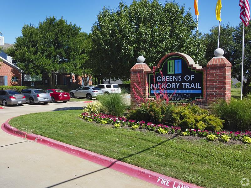 Property Entrance | The Greens of Hickory Trail