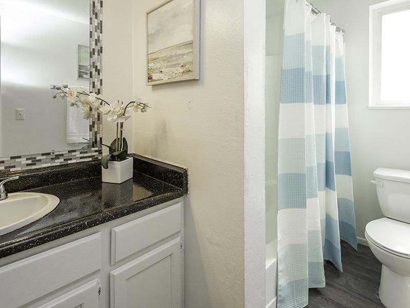 Bathroom | Hidden Pointe Apartments