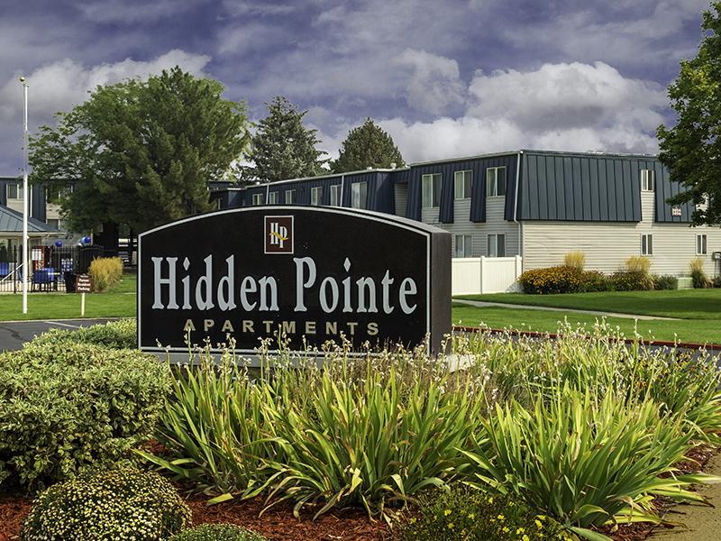 Welcome Sign | Hidden Pointe