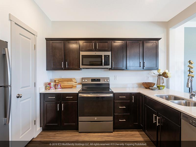 Stainless Steel Appliances | Jordan View Towns
