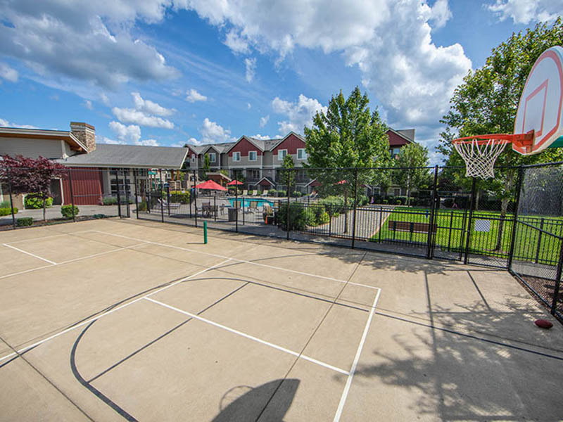 Sports Court | The Outlook Apartments in Graham, WA