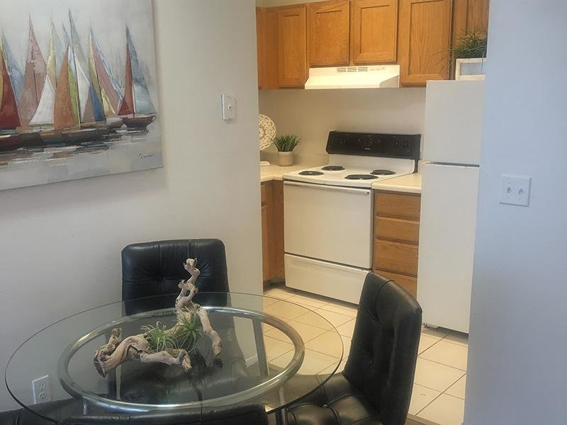 Dining Area | River Rock