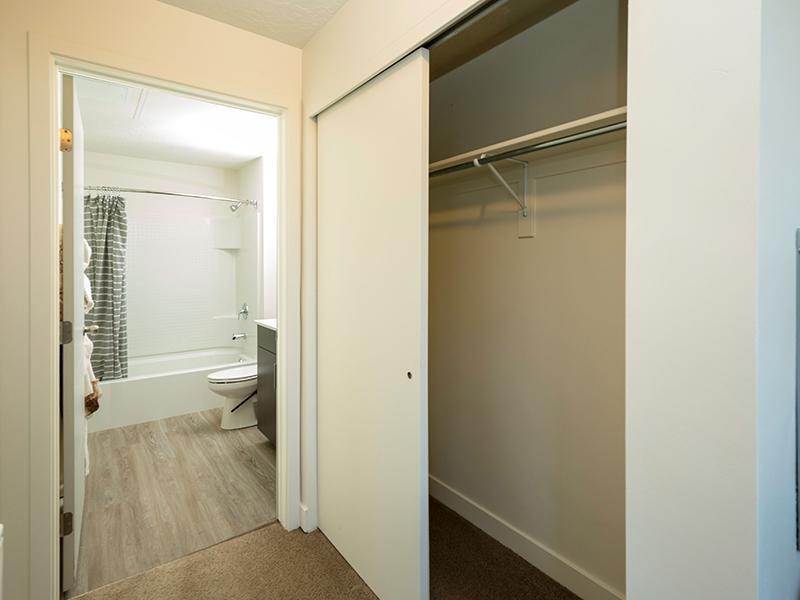 Closet | Paxton 365 Apartments