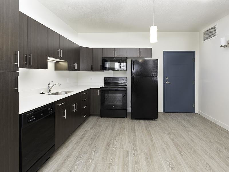 Fully Equipped Kitchen | Paxton 365 Apartments