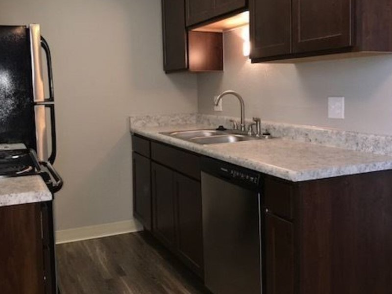 Kitchen Counters   The Reserves at Water Tower Village Apartments