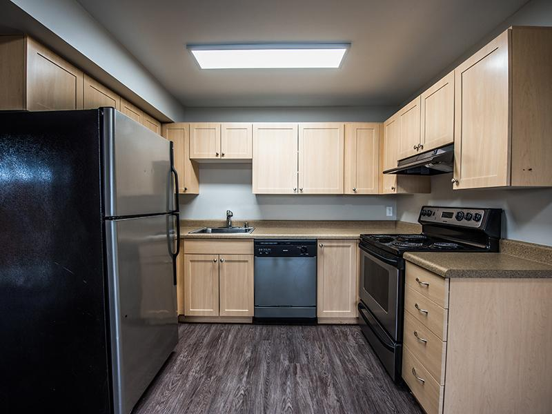 Fully Equipped Kitchen | Sheridan Beach Terrace Lake Forest Park Apartments