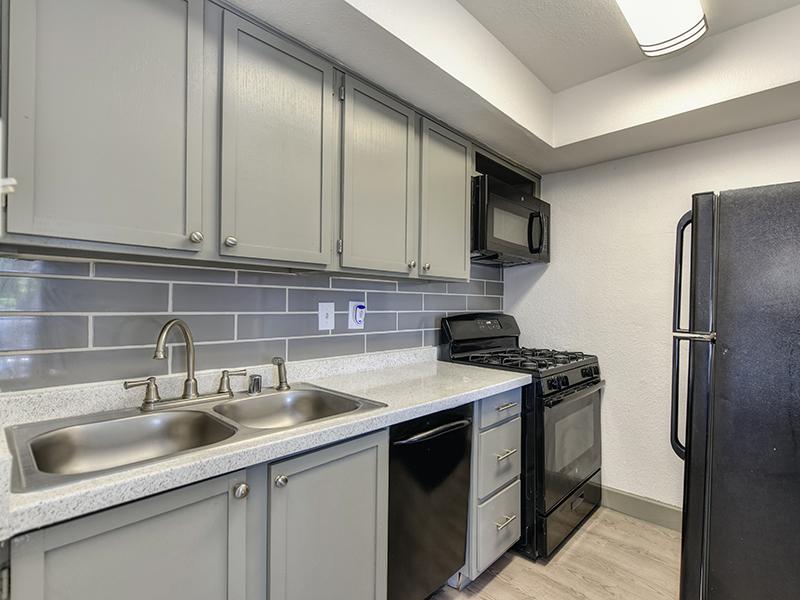 Kitchen | Sierra Park Townhomes
