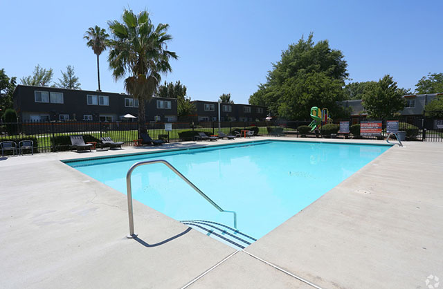 Sierra Park Townhomes Apartments in North Highlands, CA