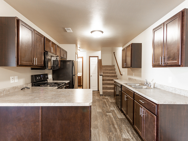 Beautiful Kitchen   West Pointe Commons Apartments in Sioux Falls, SD