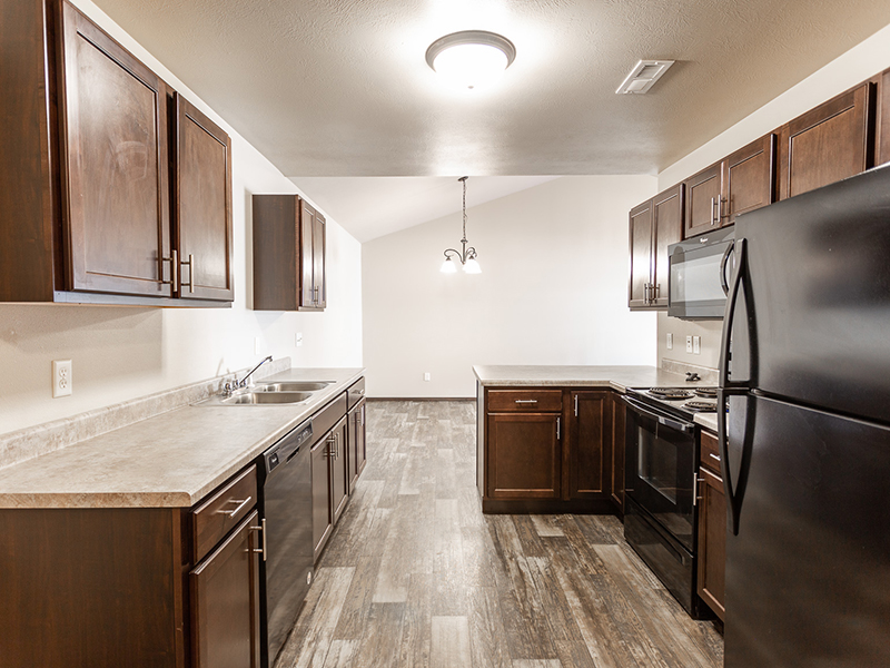 Kitchen   West Pointe Commons Apartments in Sioux Falls, SD