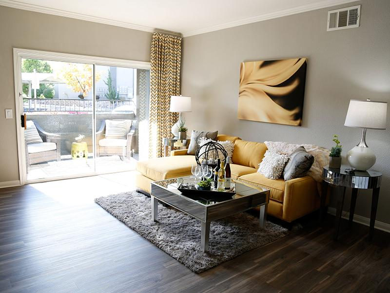 Living Room | High Rock 5300