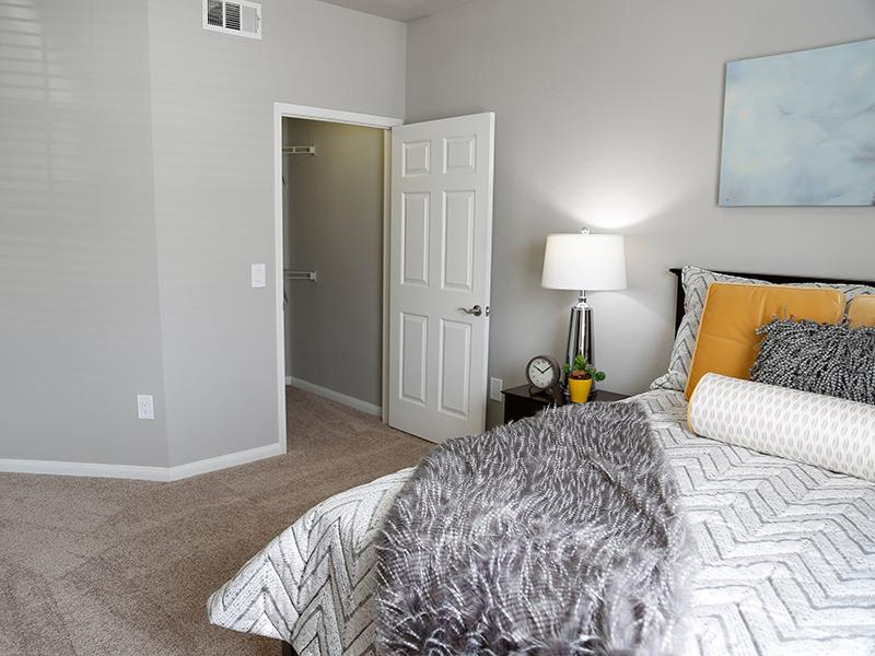 Room | High Rock 5300 Sparks Apartments