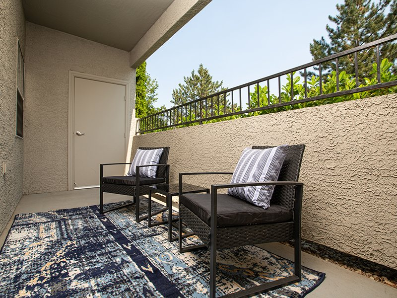 Balcony Seating | High Rock 5300 Apartments in Sparks, NV