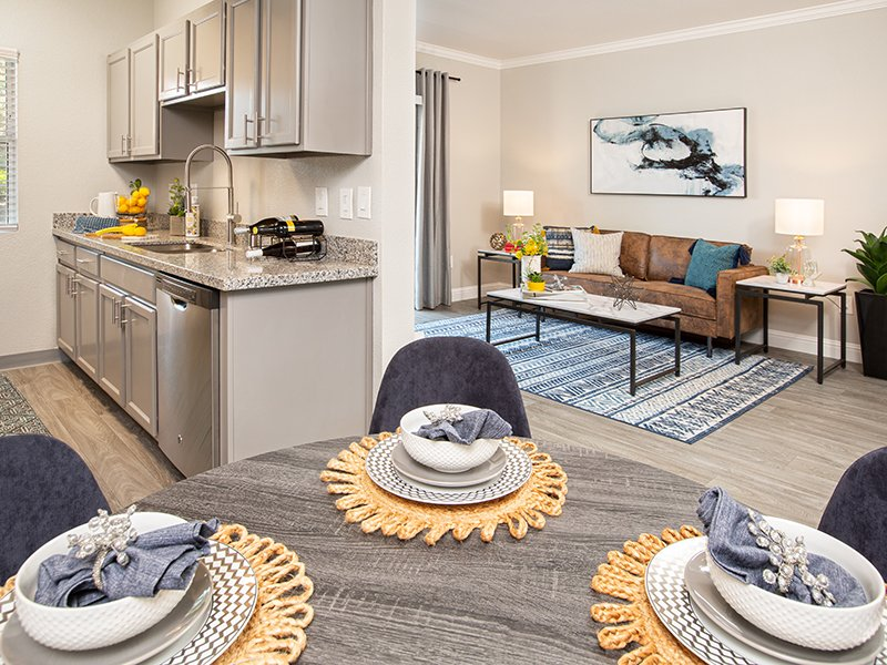 Dining | High Rock 5300 Apartments in Sparks, NV