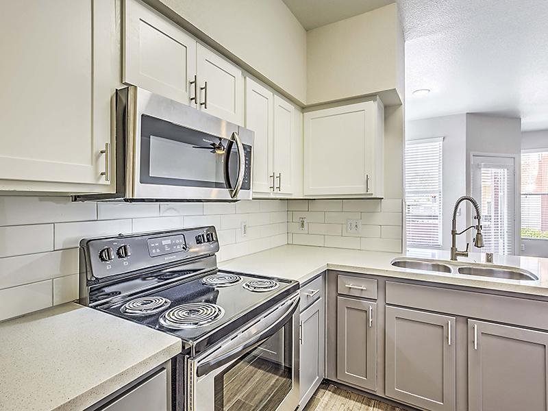 Fully Equipped Kitchen  | Palms at Peccole Ranch Las Vegas Apartments