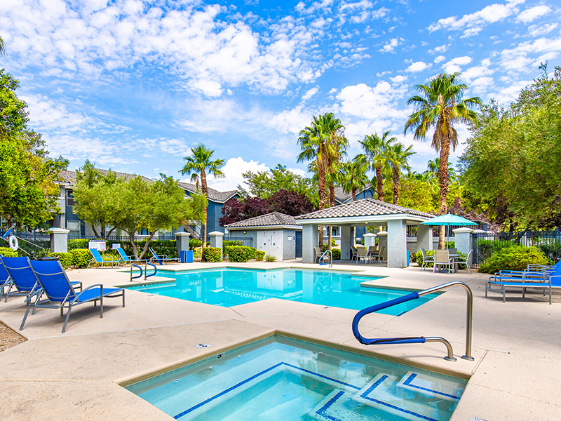 Pool and Hot Tub | Palms at Peccole Ranch Apartments in Las Vegas, NV