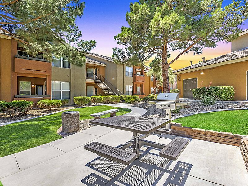 Exterior Picnic Area |  Palms at Peccole Ranch in Las Vegas NV