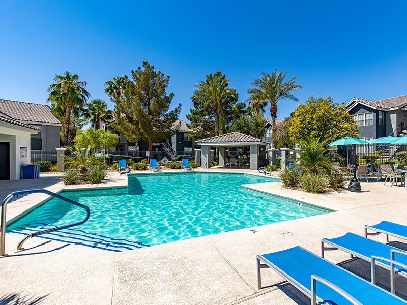 Swimming Pool | Palms at Peccole Ranch Apartments in Las Vegas, NV