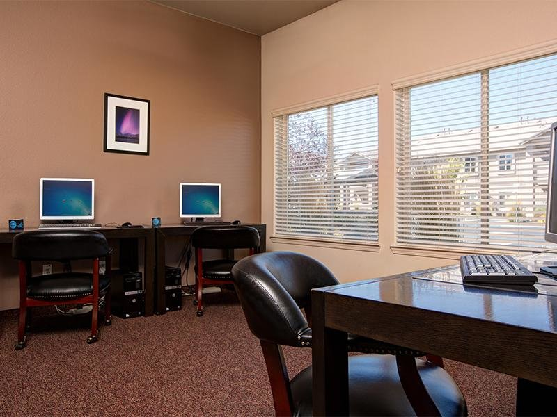 Computer Room | Horizons at South Meadows