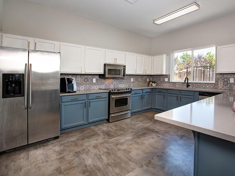 Clubhouse Kitchen | Horizons at South Meadows