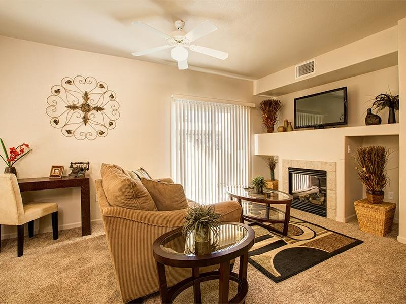 Horizons at South Meadows Apartments | Living Room