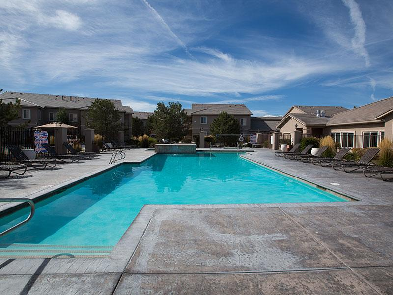 Pool and Hot Tub | Horizons at South Meadows