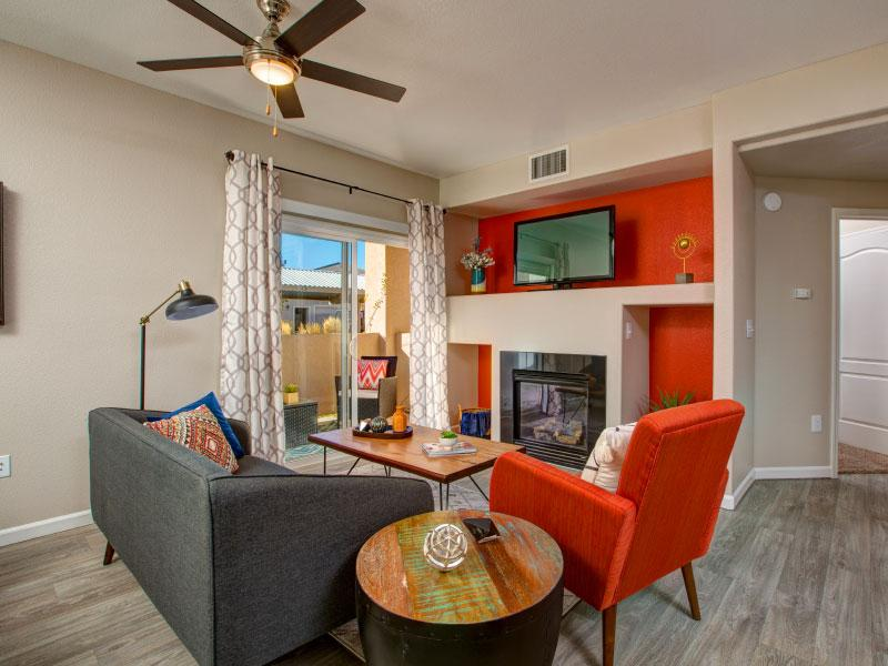 Living Room | Horizons at South Meadows Apartments