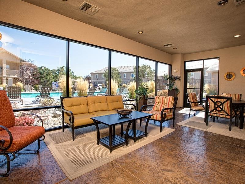 Sun Room | Horizons at South Meadows