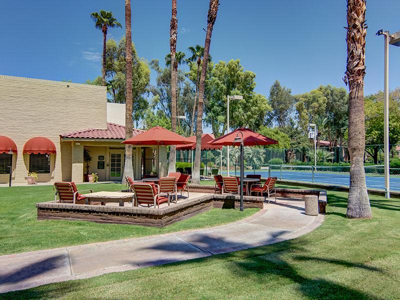 Park With Picnic Area | La Privada Apartments in Scottsdale AZ