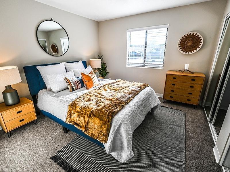 Bedroom| Dakota Canyon 87505 Apartments