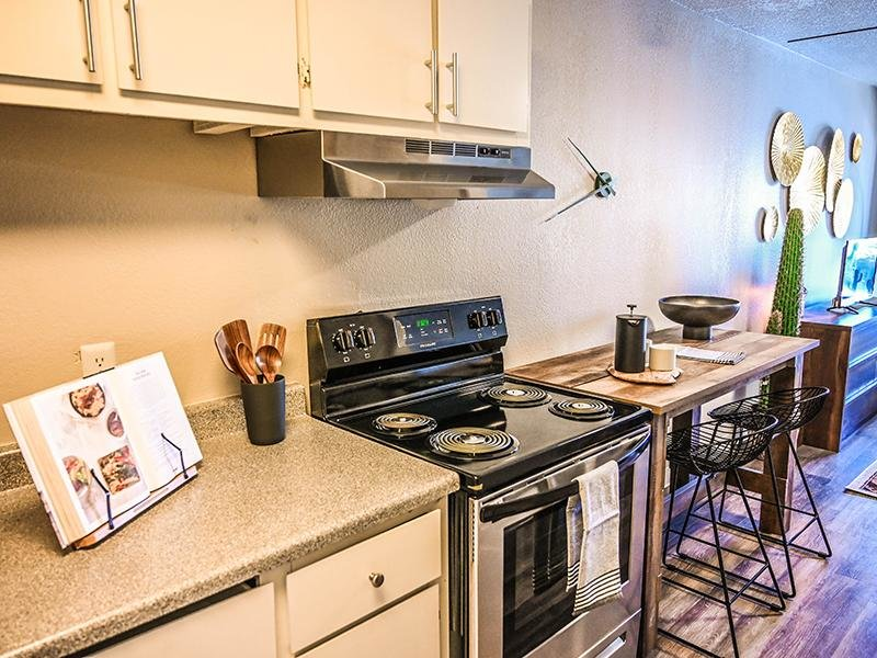 Fully Equipped Kitchen | Dakota Canyon Santa Fe Apartments
