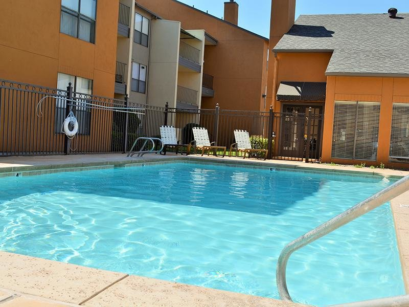 Apartments in Albuquerque, NM with a Pool | Alvarado Apartments