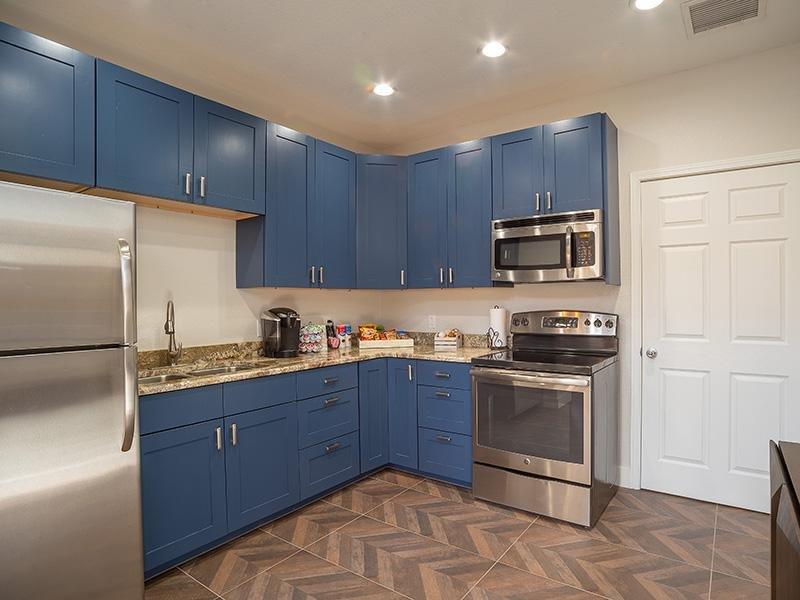 Club House Community Kitchen | The Enclave Albuquerque Apartments